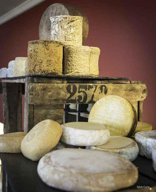 Buffet fromages fromagerie l'épicurium La Rochelle (30)
