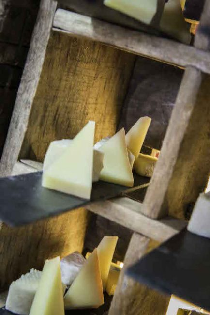 Buffet fromages fromagerie l'épicurium La Rochelle (7)