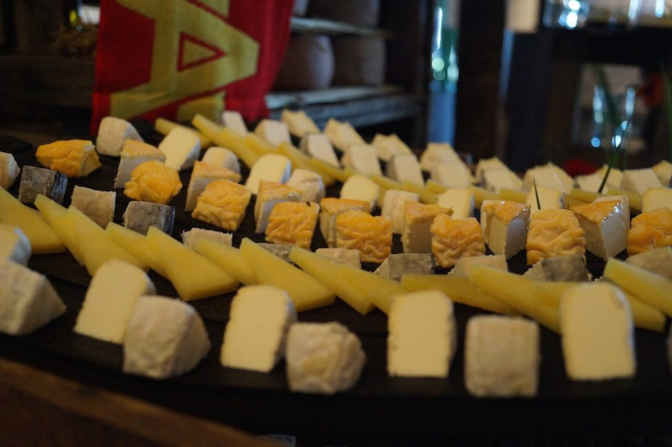Buffet fromages fromagerie l'épicurium La Rochelle (81)